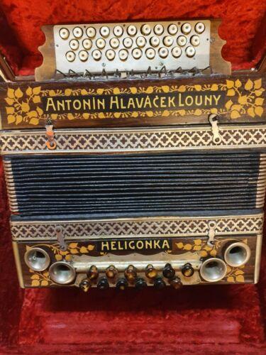 Schöne Steirische Harmonika Antonin Hlavacek Louny Heligonka Akkordeonen &Koffer