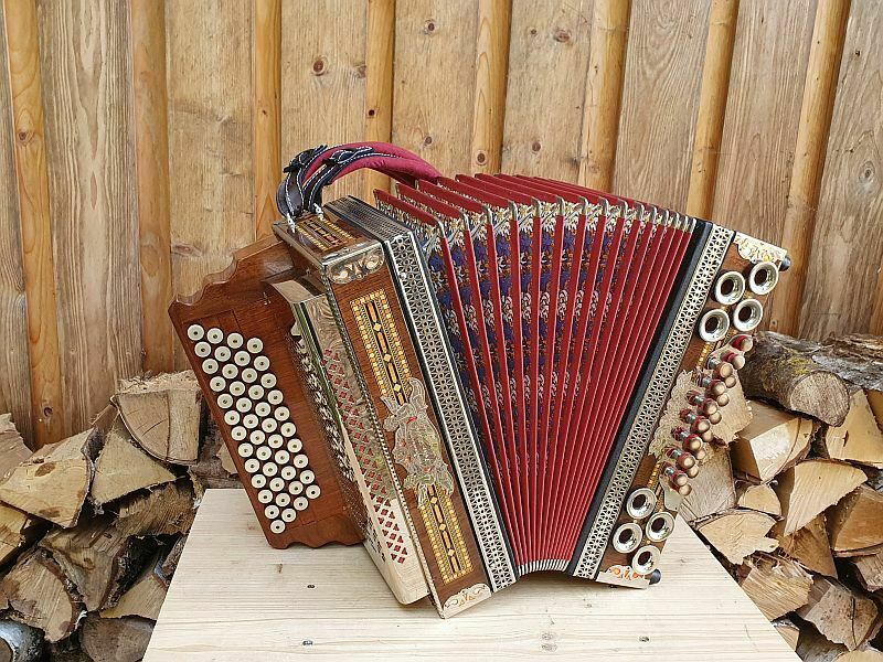 Steirische Harmonika Müller Hochosterwitz X-Bass Halbtöne Mollbässe mit Koffer