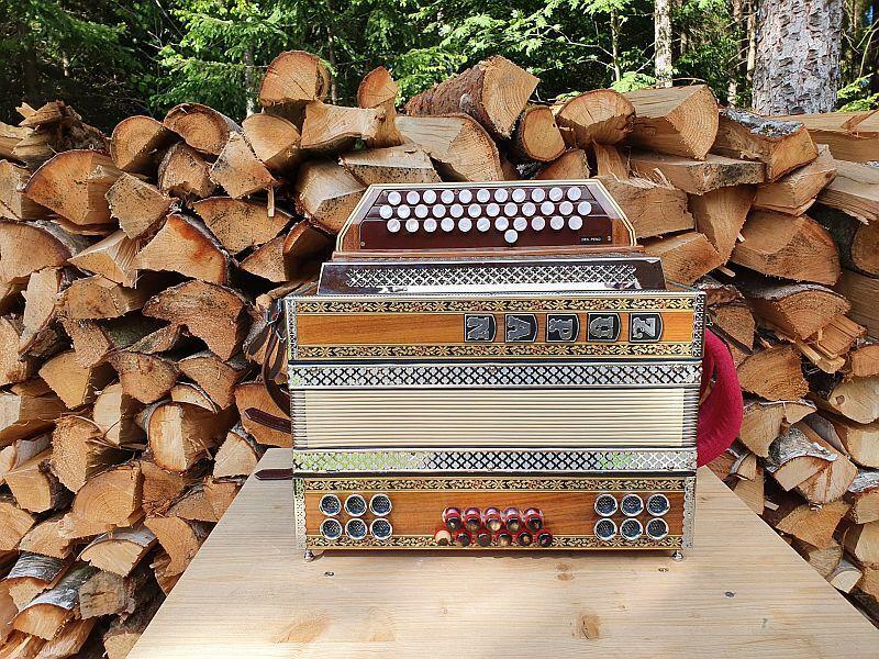 Steirische Harmonika Zupan Alpe III D Baujahr 1986 sehr guter Originalzustand