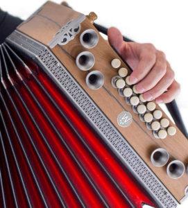 Steirische Harmonika richtig halten - Bass - linke Hand